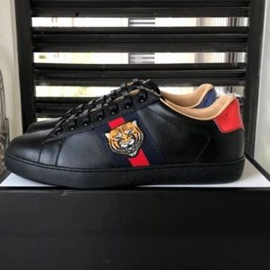 Gucci ace tiger sneakers Black Friday deal